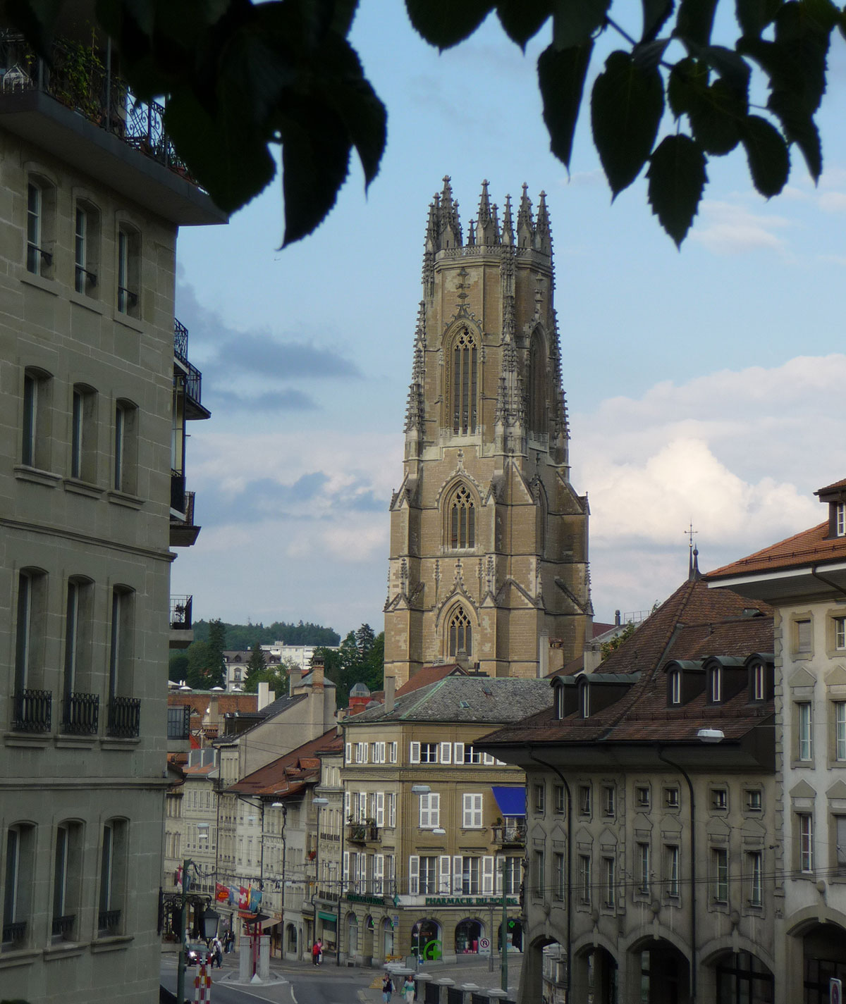 Fribourg, la célèbre cathédrale St-Nicolas